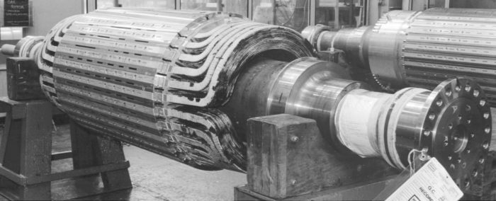 Round rotor with wound field coils.