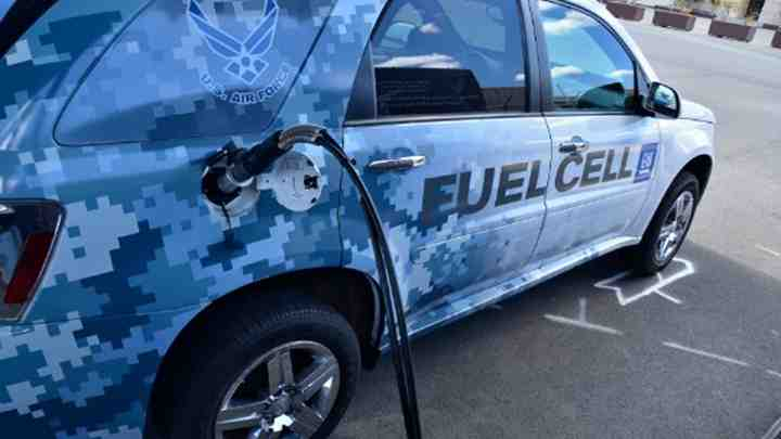 Fuel Cell: Working Principle, Characteristics, Systems, Advantages