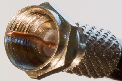 http://upload.wikimedia.org/wikipedia/commons/thumb/5/5b/F_Connector_Side.jpg/1024px-F_Connector_Side.jpg