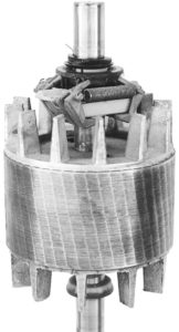 Squirrel-cage rotor with rotating part of centrifugal switch